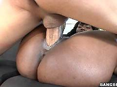 Brownbunnies - Naomi Banxxx Is Thick And Juicy!